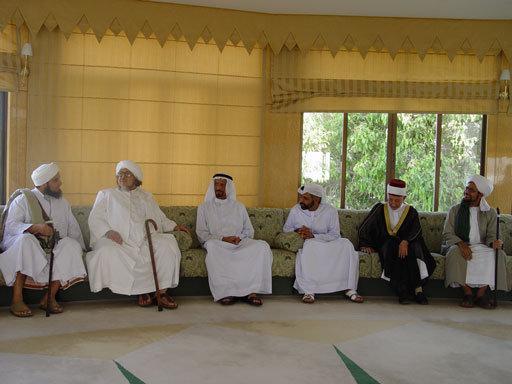 in-this-photo-habib-ali-al-jifri-mohd-alawi-al-maliki-shaykh-al-bouti-habib-omar-bin-hafeez